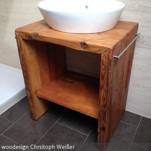 Der Unterschrank wurde aus dem Holz alter Schwarzwaldhöfe - badezimmerm bel set holz