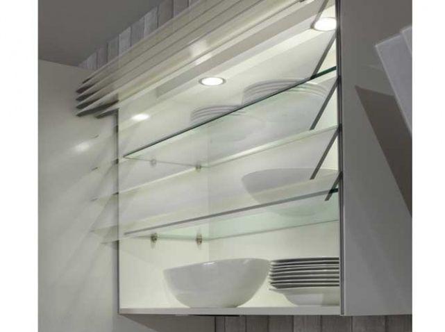 des placards malins pour une cuisine impeccable placard verre et pratique. Black Bedroom Furniture Sets. Home Design Ideas