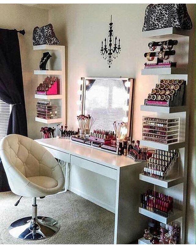 Estou fazendo o meu Closet! Quer saber mais sigam @closetvestidoca. Dicas e inspirações para seu Closet! @closetvestidoca . . . . . . . #vestidoca #decor #decoration #closet #penteadeira #quartodemenina #instagood #likes #closetvestidoca #dress #blogger #cute #instalikes #design #arquitetura #interiores #bbwinstagramersinstalikes #make #makeup #montesclaros #construcao #chic #fashion