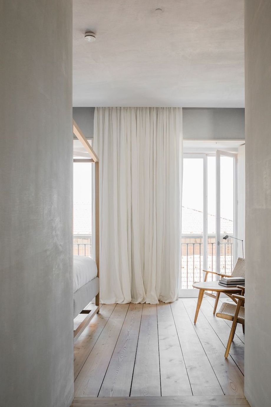 60 Beauty And Elegant White Curtain For Bedroom And Living Room Hoommy Com Home Bedroom Home House Interior