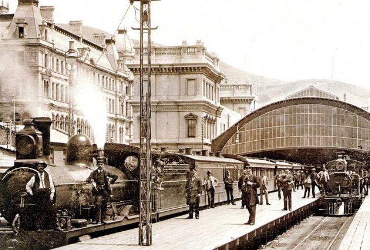 Estación de Cape Town (Ciudad del Cabo), Sudáfrica, en 1890 ...