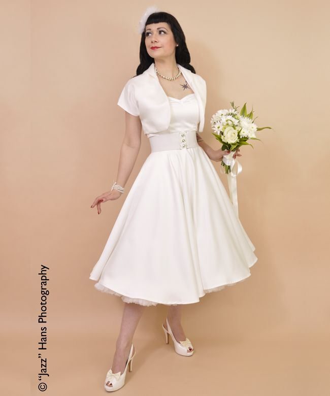 Beautiful bridal wear from Vivien of Holloway