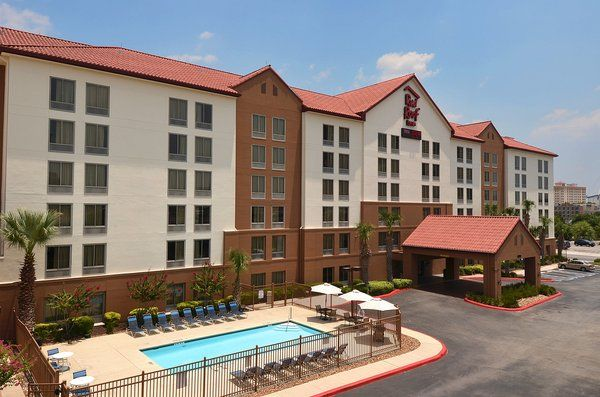 Cheap Hotels In Downtown San Antonio Tx Red Roof Plus Red Roof Hotel Downtown San Antonio