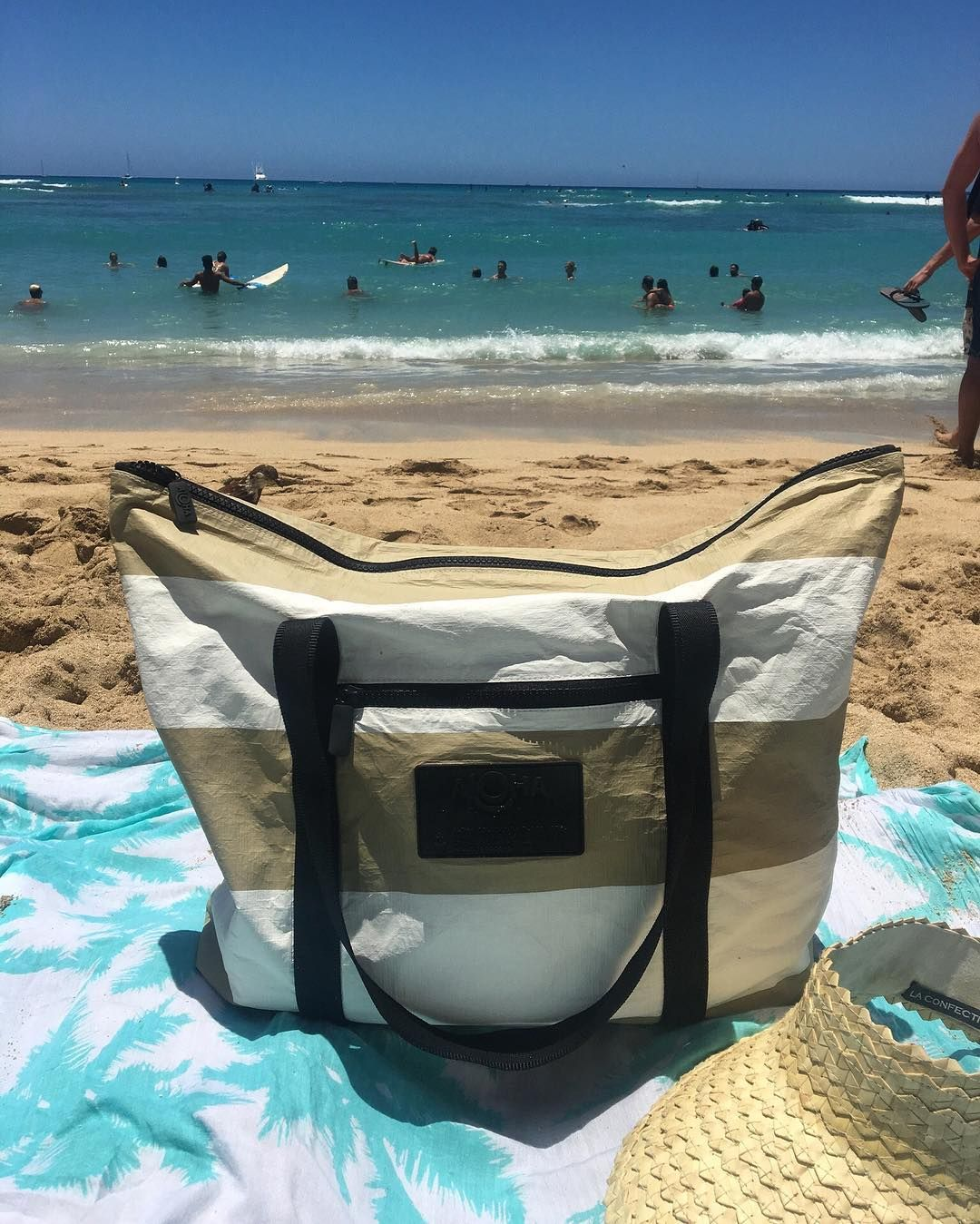 Meet ALOHA Collection Splash-proof bags for all of life's adventures! PC: @alohacollection 🤙🏼🌺🌴 Blue skies + blue water + tan lines = a perfect Waikiki day 🌊 Shop the site to get your Byron Bay zippered tote for making tan lines and beachside memories of your own! 🌈🌴💦🌺🏄♀️🍹 #alohacollection #waikiki #travellightwithus #lethawaiihappen 🔥🔥🔥Hawaii Luau Company- Hawaii's Premiere Corporate Event, Luau, Wedding and Entertainment Company.  www.hawaiiluaucompany.com   #hawaiiluaucompany#