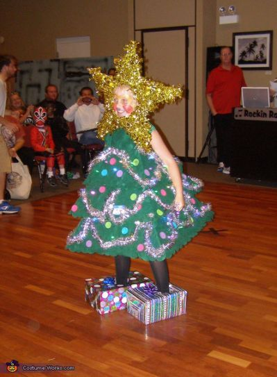 Showing Off Christmas Tree Homemade Christmas Tree Halloween Costume Christmas Tree Costume Toddler Halloween Costumes