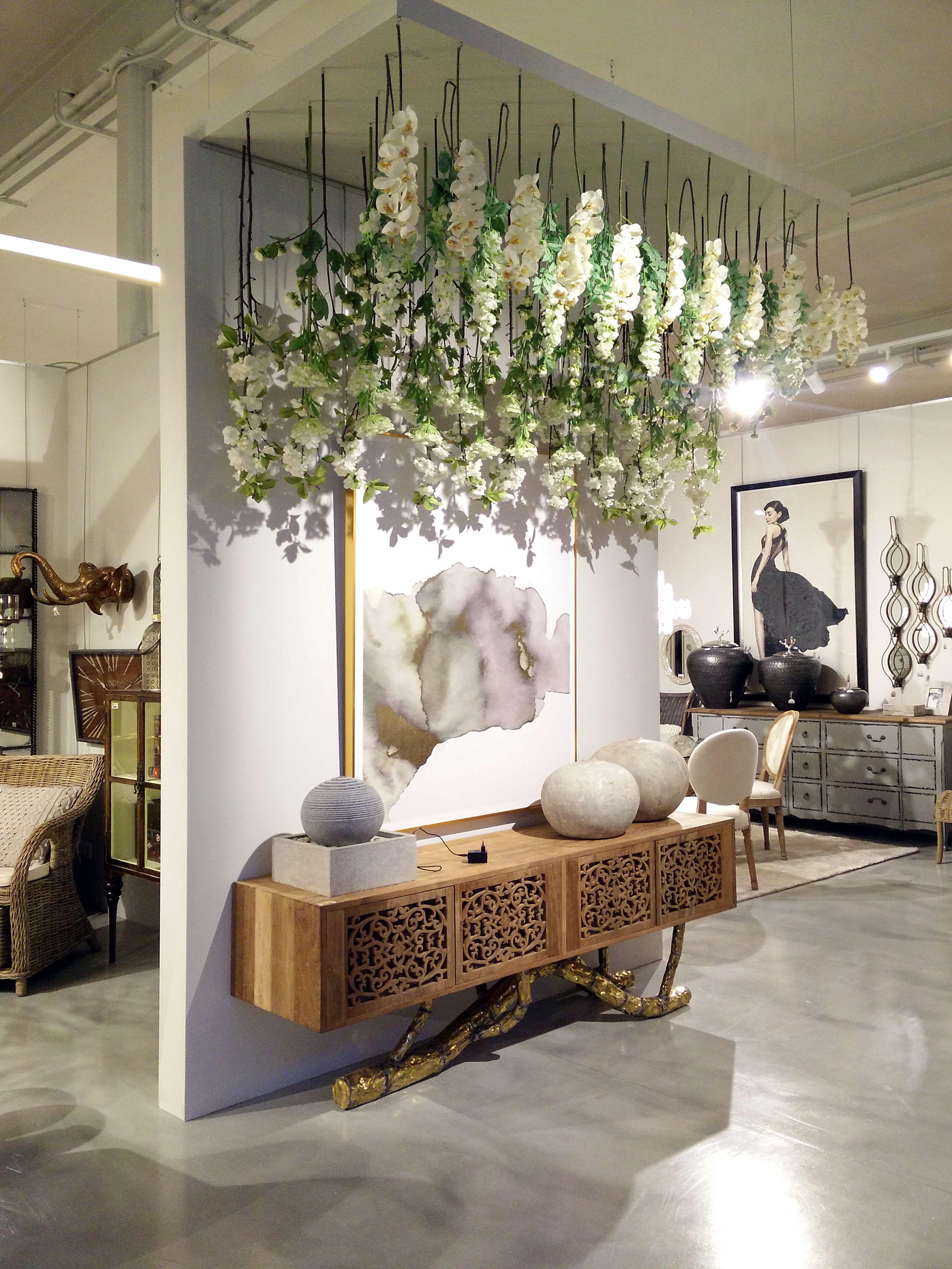 Showroom ixia marzo 2017 showroom decoracion tienda de for Diseno de interiores almacenes de ropa