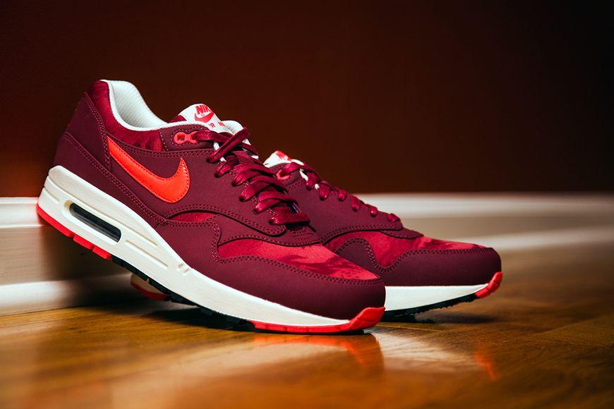 Nike Air Max 1 Premium - Team Red - Atomic Red Camouflage ... 2a98b59de