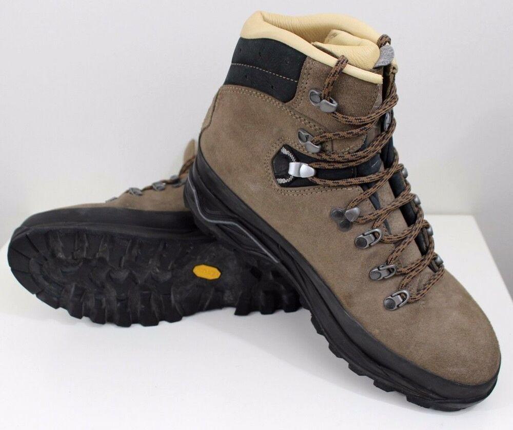 Advertisement)eBay Lowa Boots Banff PRO Hiking Trekking