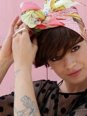 Tuto coiffure trois façons de nouer le foulard par Make