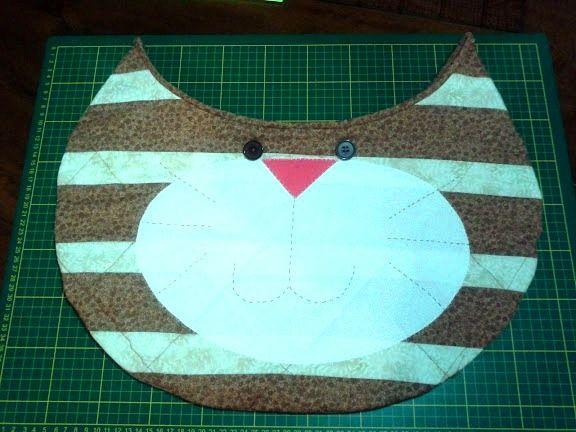 Esta é a bolsa de gato que eu fiz!