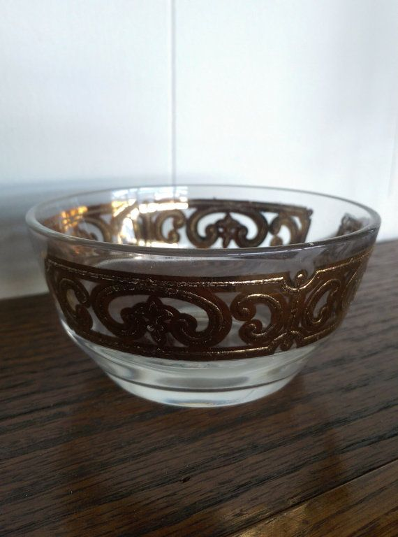 Vintage Georges Briard bowl in Spanish Gold pattern, vintage serving bowl