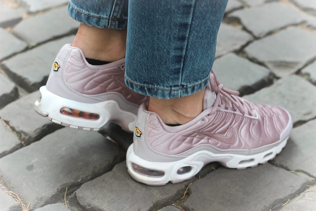 reasonably priced brand new another chance nike air max tn satin pack plum fog   Обувь en 2019   Nike ...