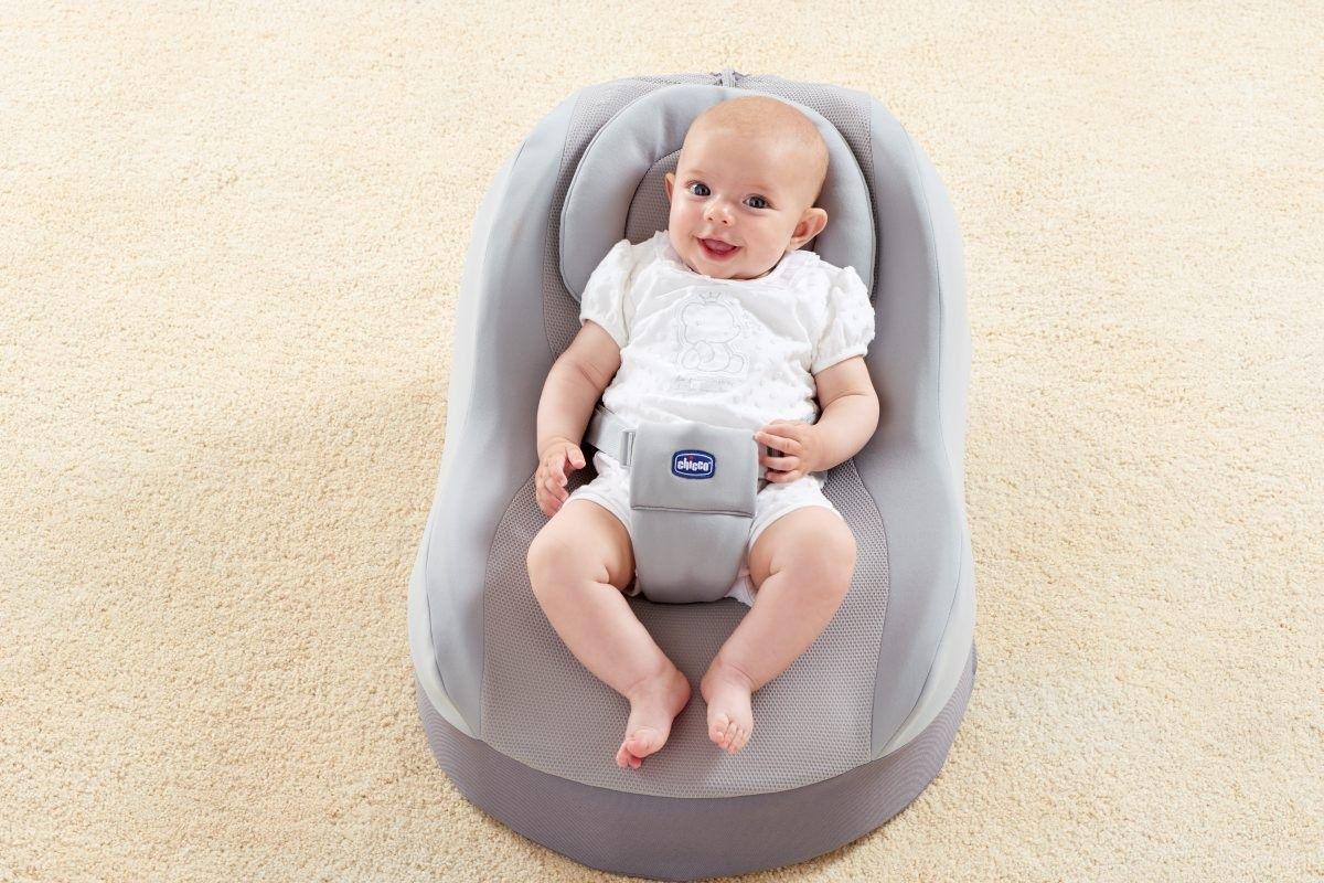 Chicco Comfy Nest Un sillón para una postura correcta en el momento del descanso Su primer sillón ergonómico para garantizarle el máximo confort