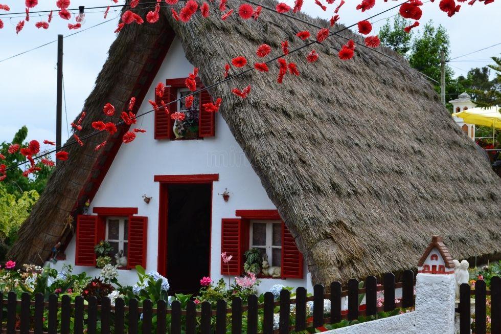Casas de colmo, Santana, Madeira. Arquitetura e design