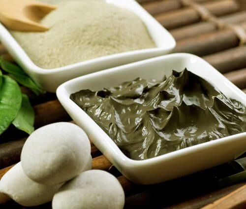 Tonerde und Joghurt gegen Doppelkinn