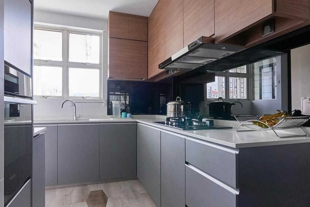 check out this contemporary style condo kitchen and other similar styles on qanvast interior on kitchen ideas singapore id=27419