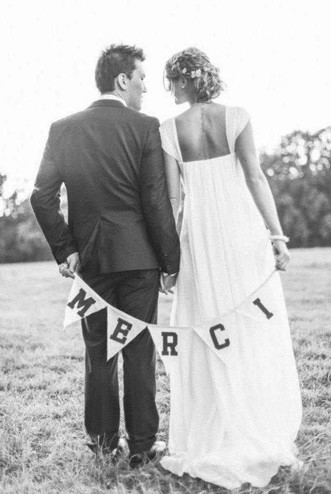 13 Sweet Wedding Thank You Card Shots You Should Ask Your Photog For