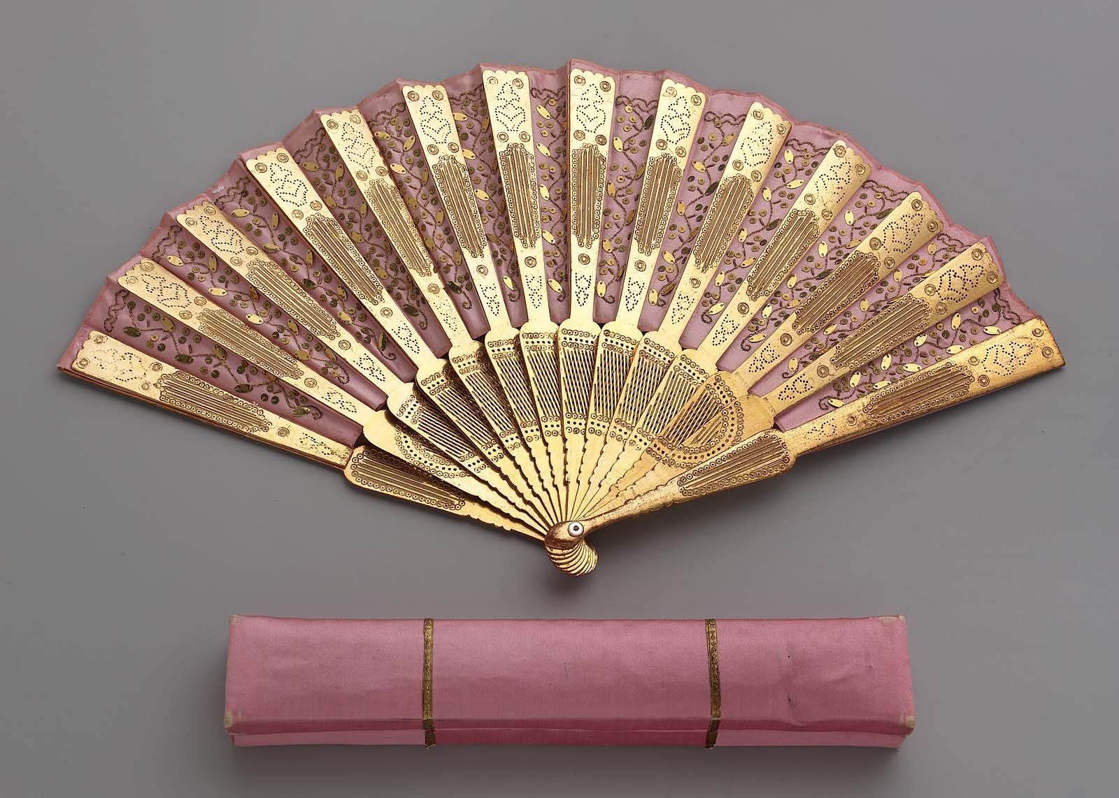 Fan 19th C, gilded stamped sticks, satin