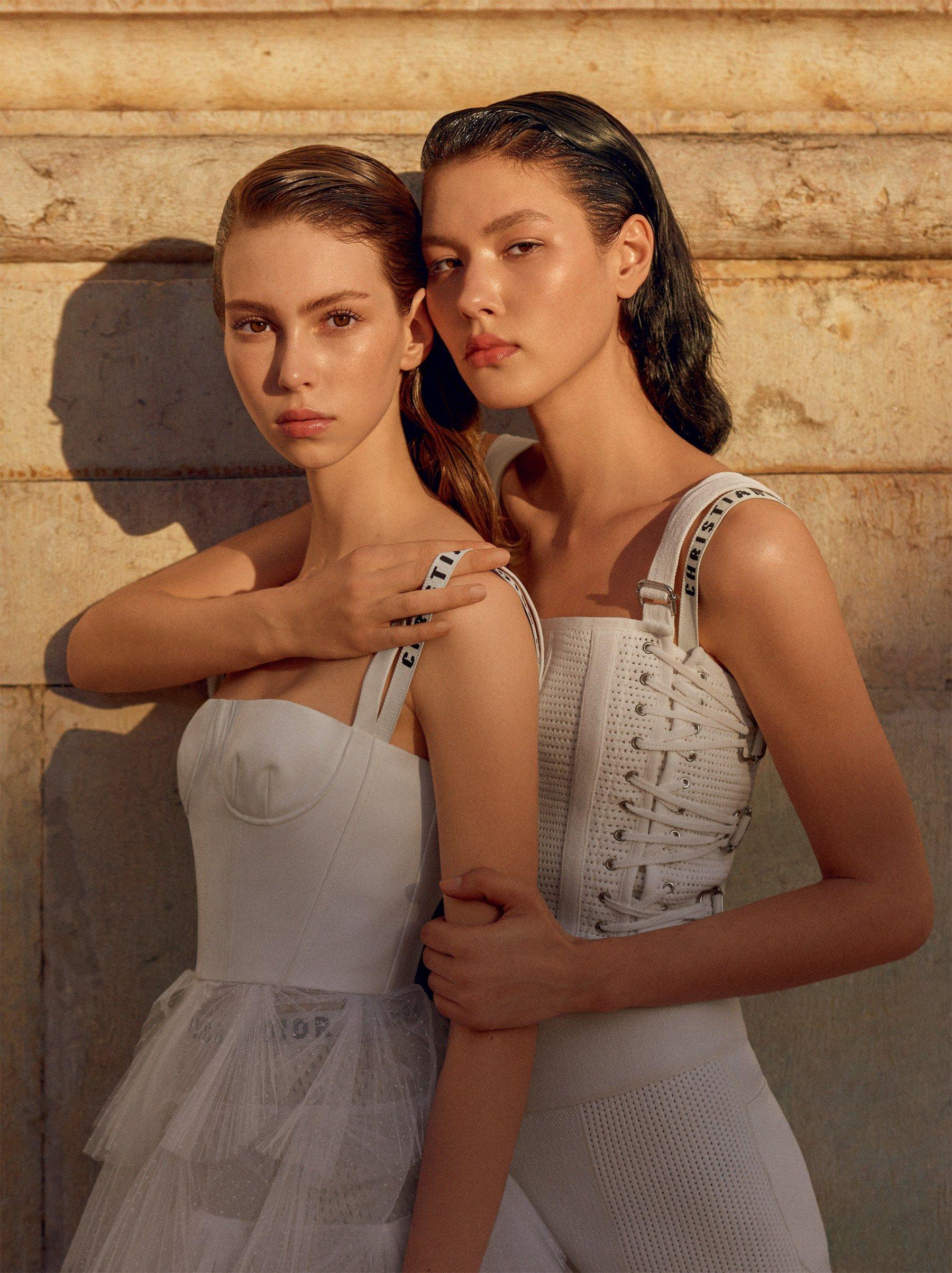 Vogue-Brasil-March-2017-Angelica-Erthal-Lorena-Maraschi-by-Zee-Nunes-Cover-2-Dior.jpg (1800×2407)