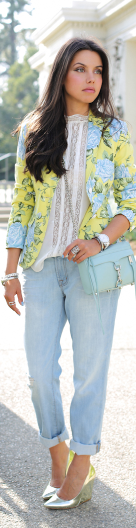 .not too crazy about the jeans but love the floral blazer, top and metallic heels)
