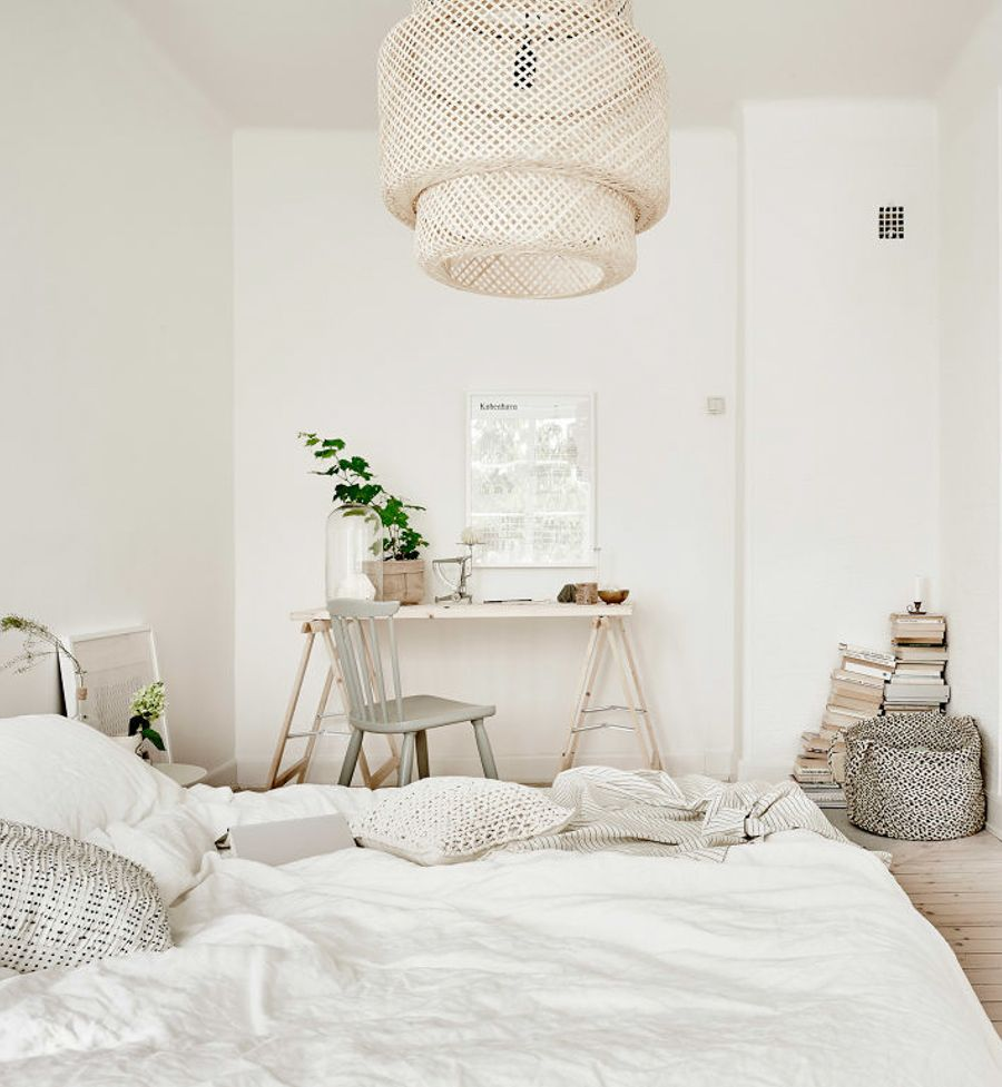 White And Natural Bedroom Styling Beautiful Bedrooms Bedroom Green Bedroom Styles