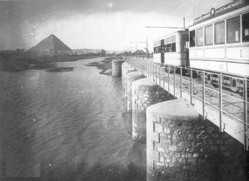 لقطة نادرة لترام شارع الهرم يعبر كوبري المريوطية الجيزة حوالي عام 1929 Egypt History Cairo Egypt Old Egypt