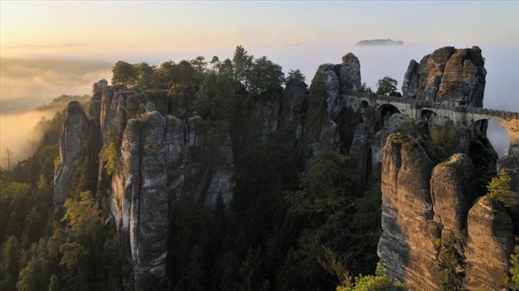 Fronteiras exóticas. Alemanha-República Checa. Esta deslumbrante paisagem marca a fronteira entre a Alemanha e a República Checa.