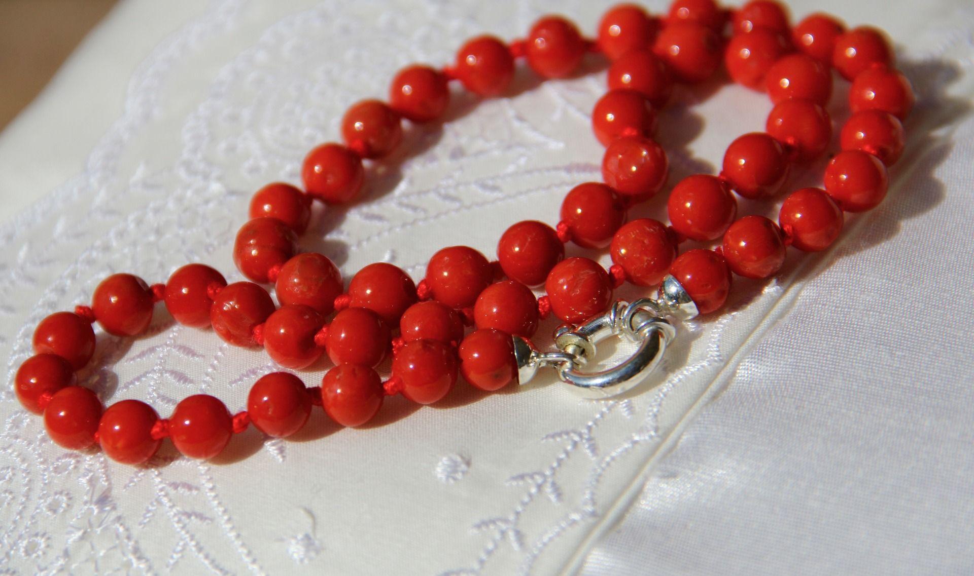 collier en corail rouge corse qualit exceptionnelle ce100 collier par les tresors de la. Black Bedroom Furniture Sets. Home Design Ideas