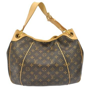 2eda913abfb5 Get one of the hottest styles of the season! The Louis Vuitton Hobo  Monogram Shoulder Bag is a top 10 member favorite on Tradesy.