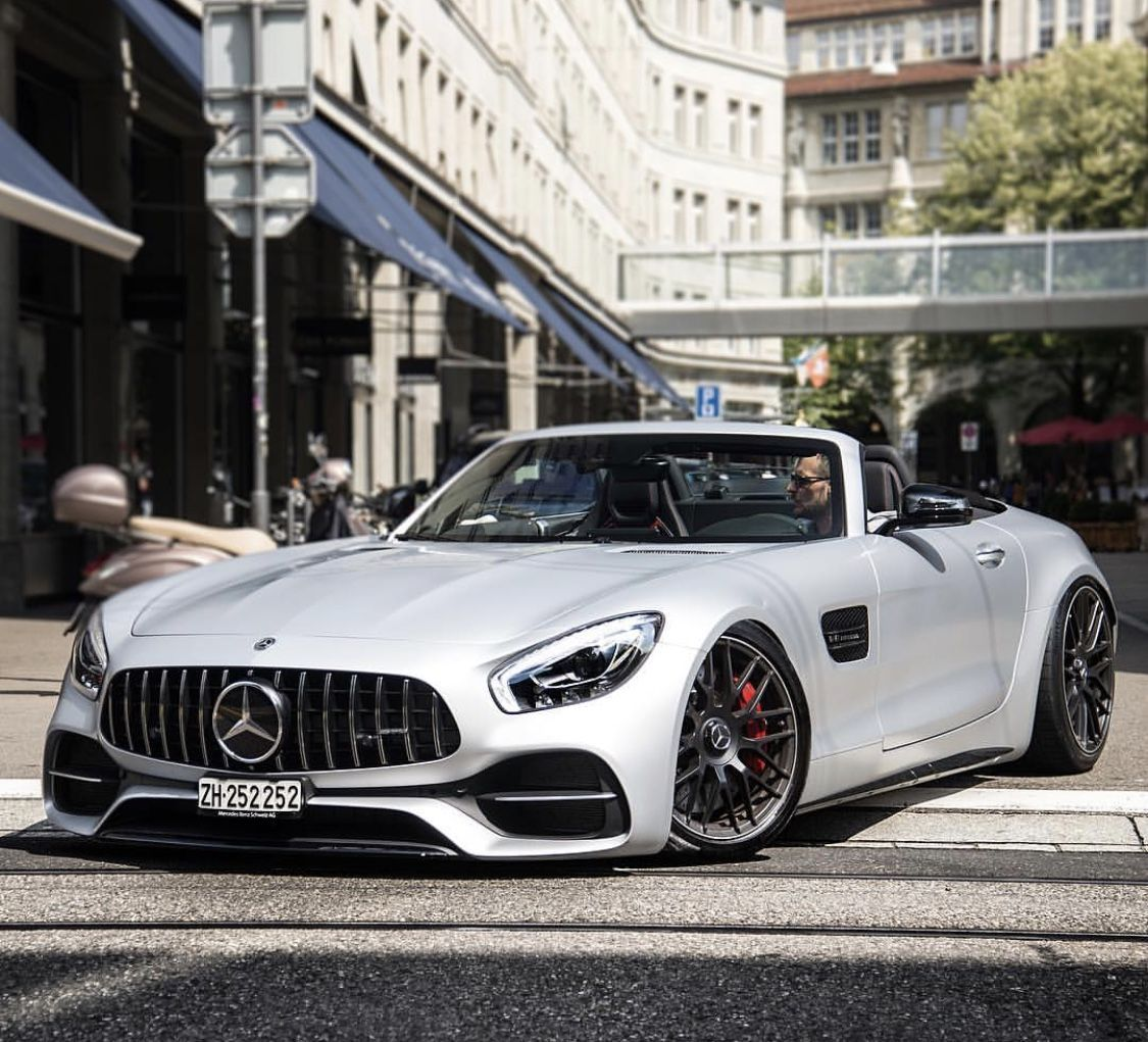 The Most Luxury Cars In The World [With Best Photos Of