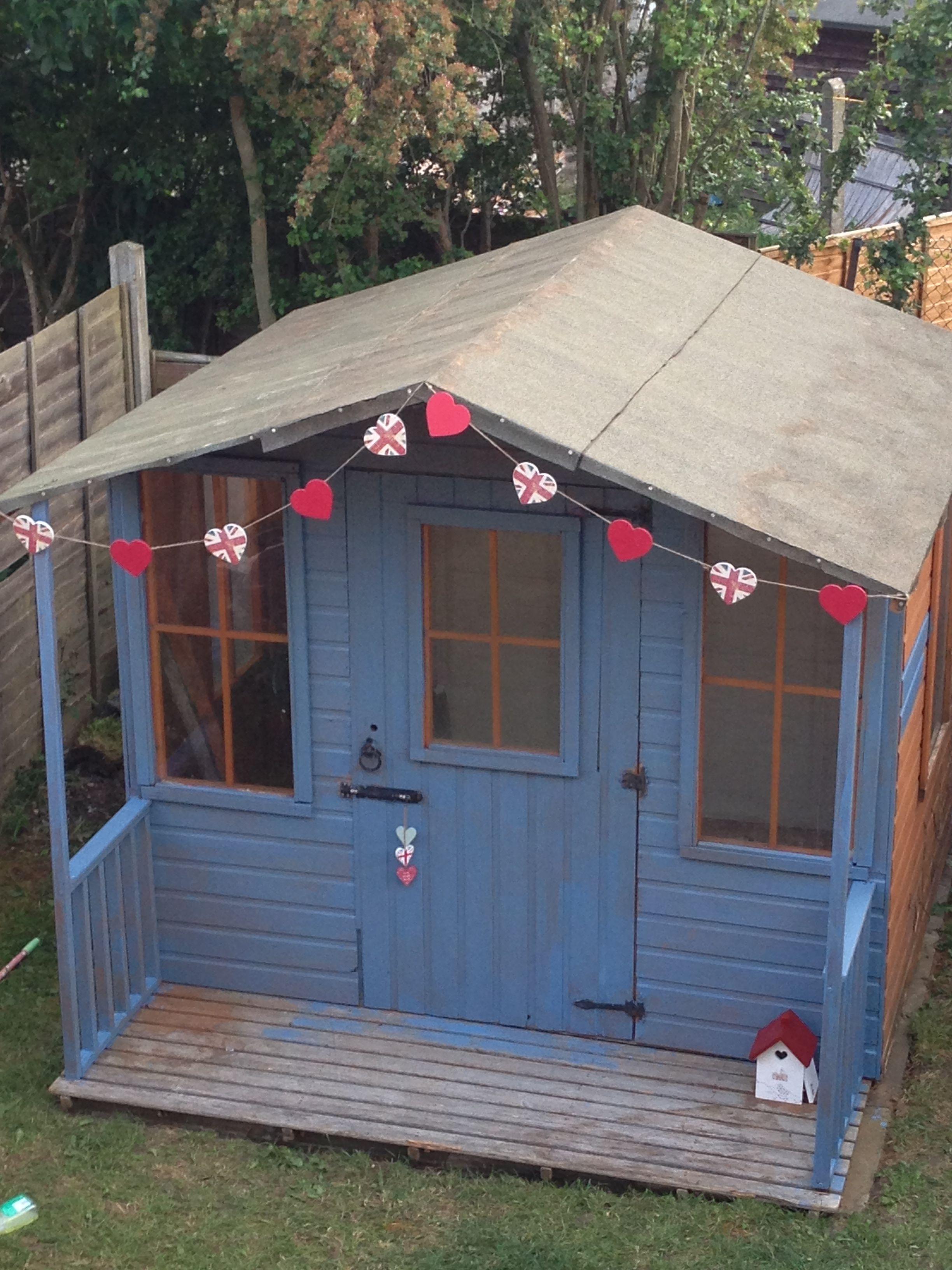 I dream of owning a beach hut.... This is my garden beach hut