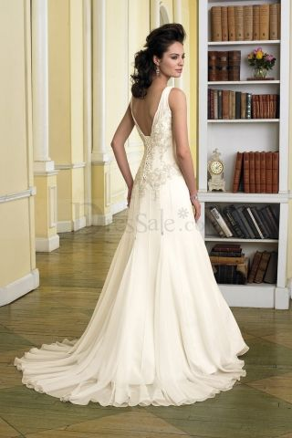 Sweet Hot Pale Yellow Wedding Dress With Tempting V Necks And Beautiful Motif Detail