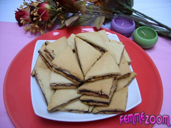 recette Triangles farcis aux dattes : Triangles farcis aux dattes, Cuisine Femme Zoom, Recettes de cuisine ...