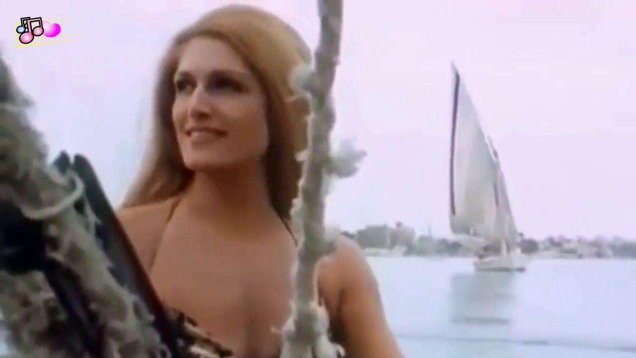 Dalida Helwa Ya Baladi داليدا حلوه يا بلدى English Subs Youtube Beautiful Songs Classic Songs Music Web