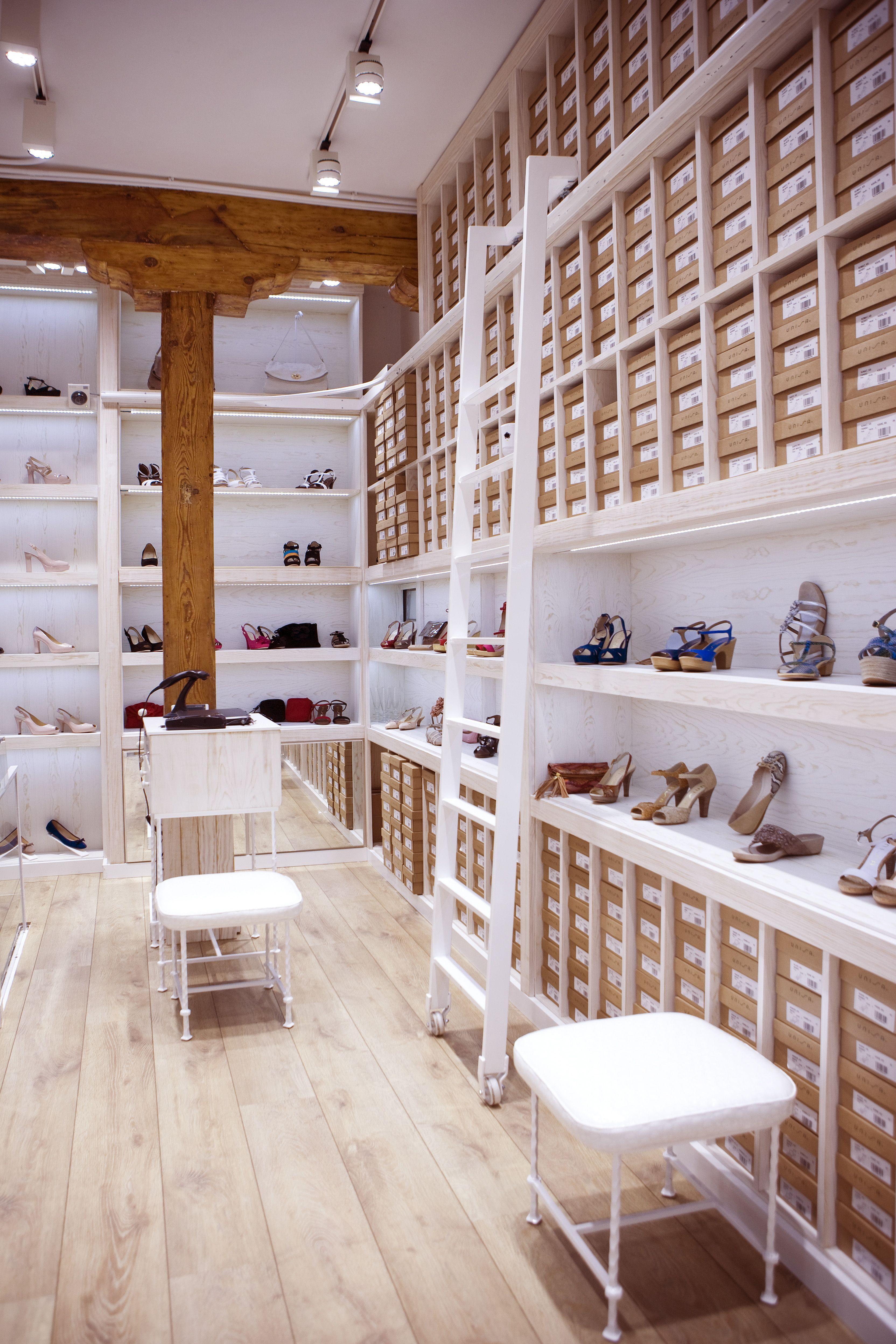 Unisa boutique, Claudio Coello. Madrid.  www.unisa-europa.com