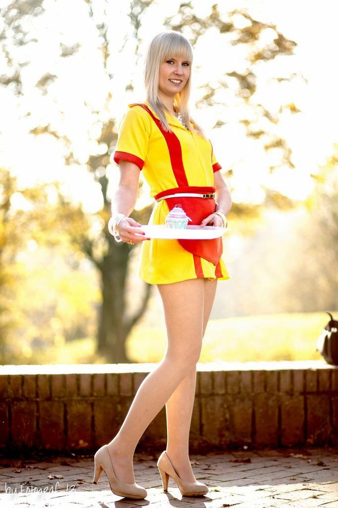 Caroline Channing ( 2 Broke Girls) Cosplay by Melmon | Playing Dress ...