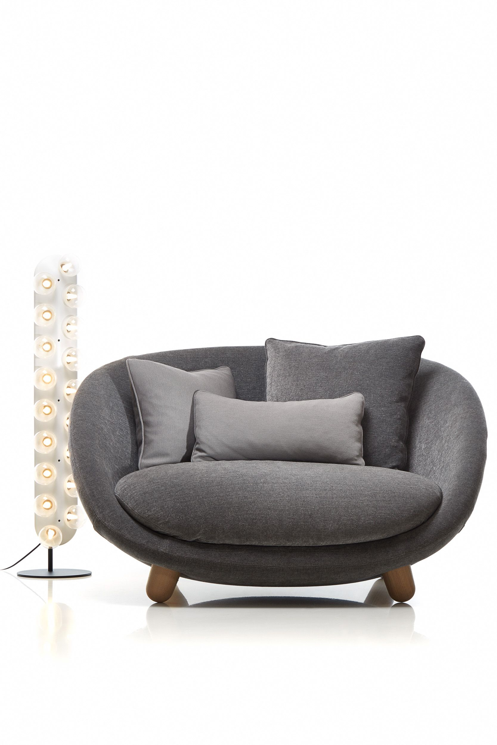 Dinner Sofa Love Sofa By Marcel Wanders For Moooi Love Sofa Marcelwanders