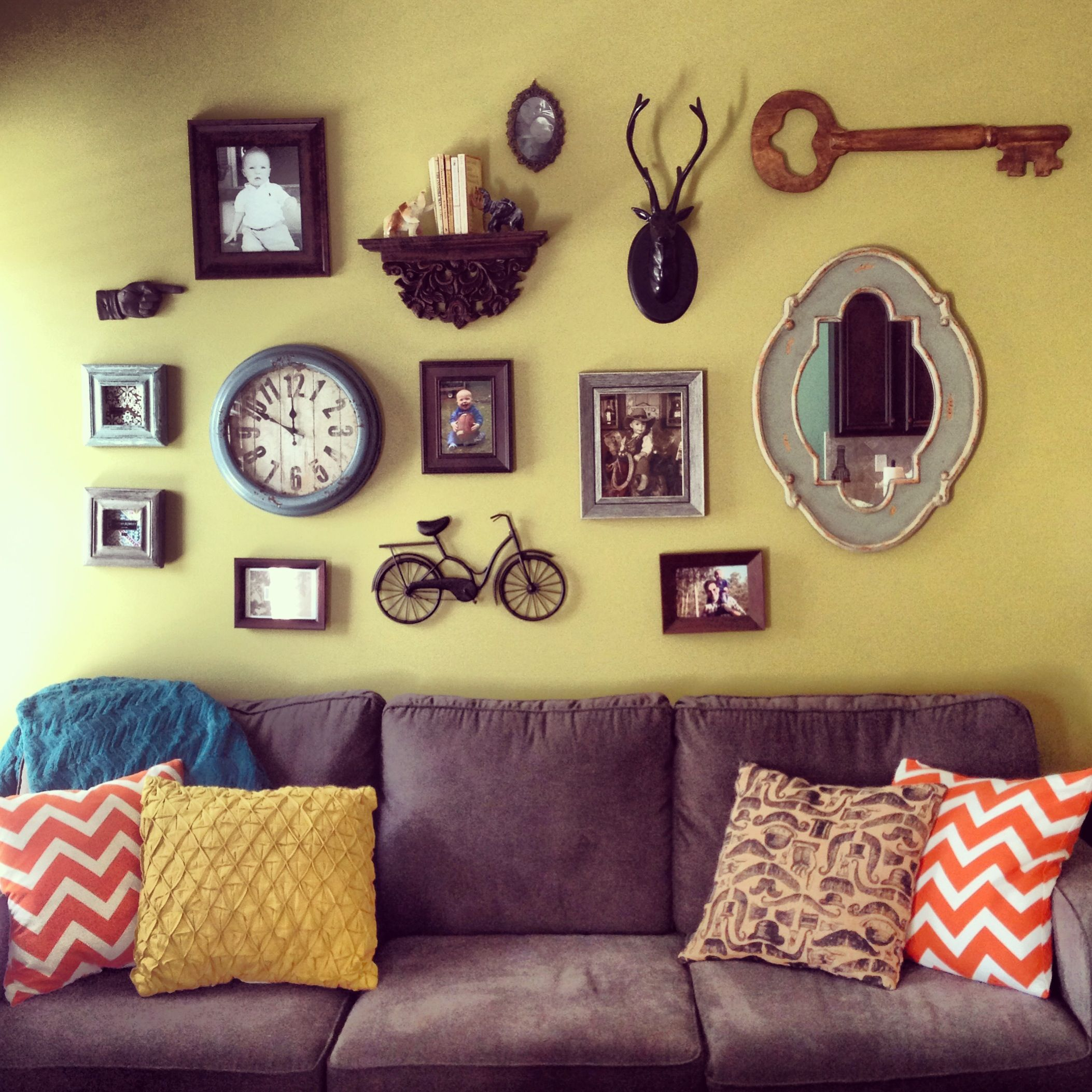Mix match decor to hang on the wall. | For The Home | Pinterest ...