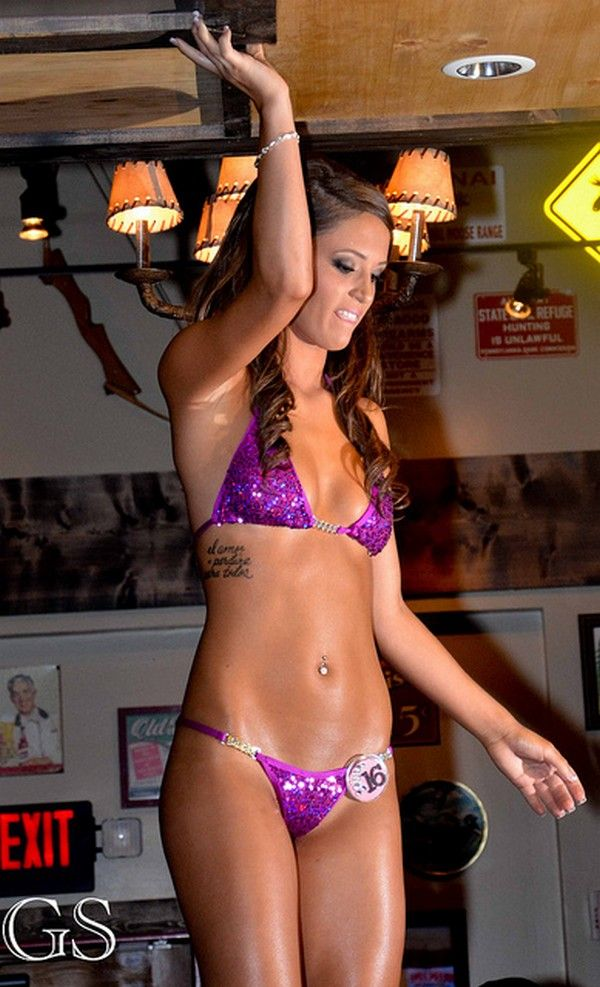 Twin Peaks Restaurant Bikini Contest Twin Peaks Girls Tilted Kilt Swimsuits Swimming Suits