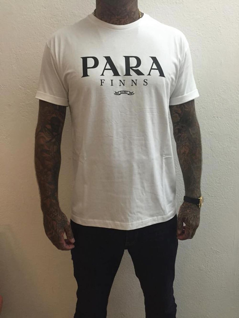 Para Finns T-Shirt Vit Svart via LT Streetwear. Click on the image to see  more! 5932ee7e93bc2