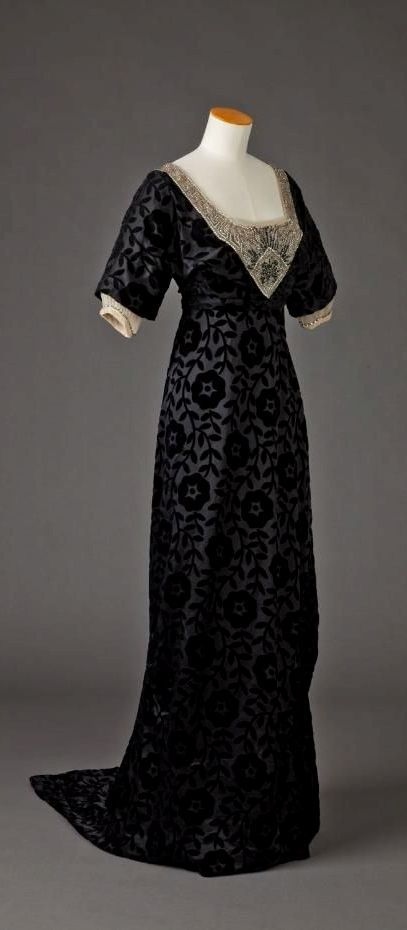 HISTORICAL BLACK & PRINTED DRESSES