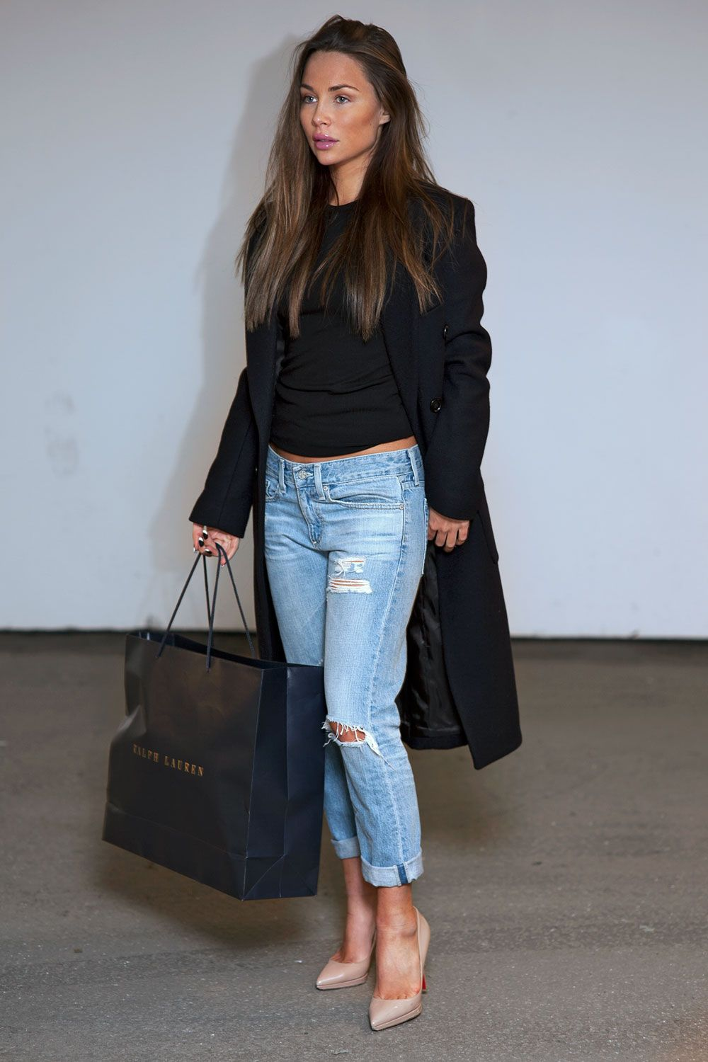 Boyfriend jeans, cropped black sweater, nude heels and a great ...