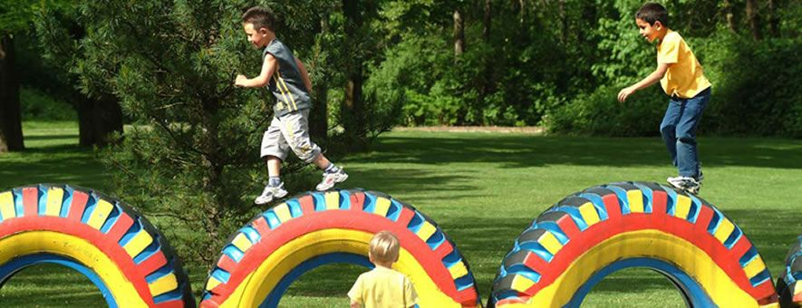 Juegos para ni os con neumaticos buscar con google - Como hacer un parque infantil ...