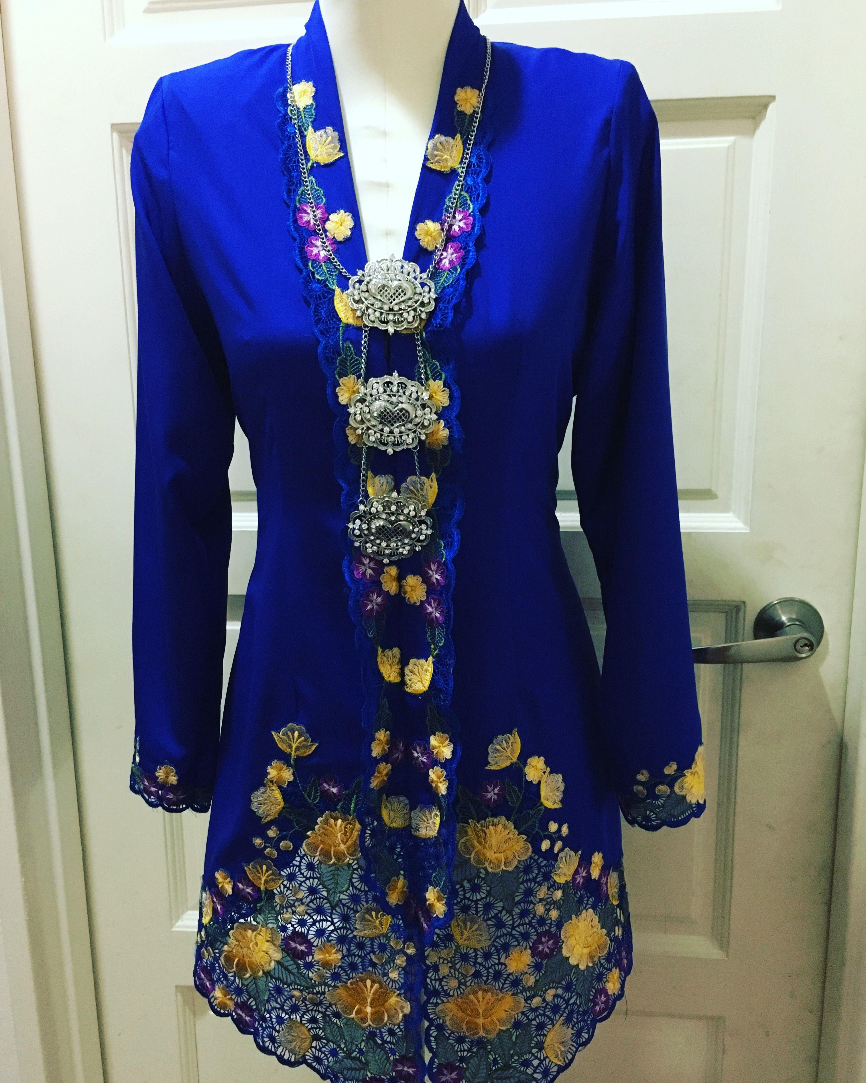 Kebaya nyonya in royal blue