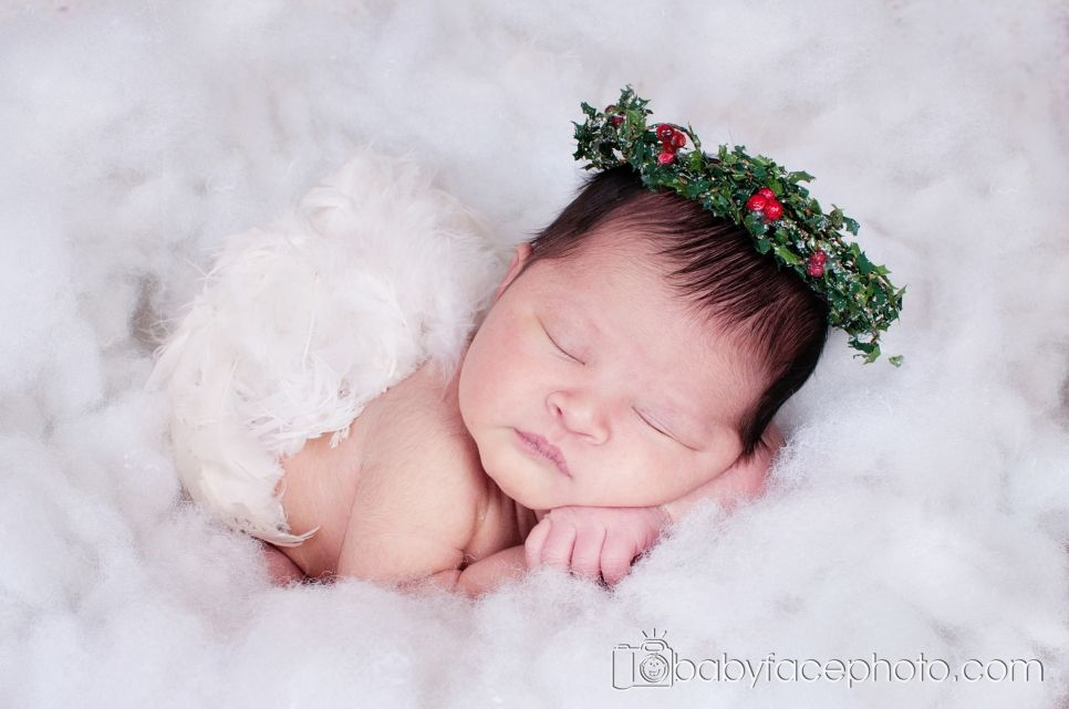 Frederick md newborn photographer newborn christmas