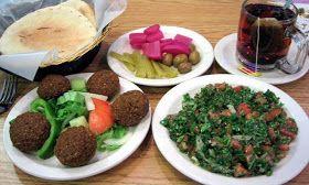 LEBANESE RECIPES: Lebanese Falafel