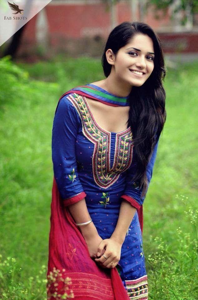 Ruhani Sharma Beautiful HD Wallpaper