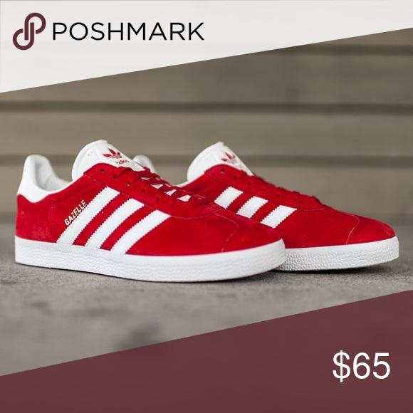 Red Adidas Gazzella Scarpe Sono Leggermente Il Tag Della Scarpa