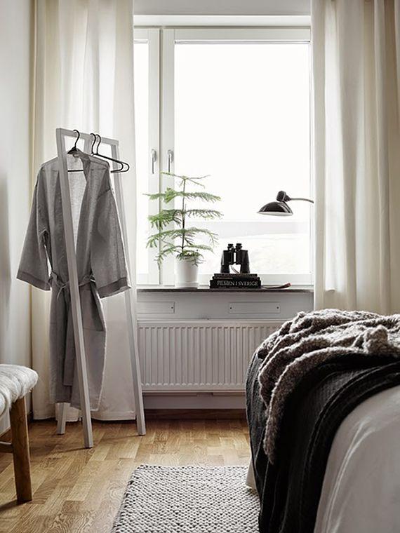 Motel Room Interiors: Cozy Scandinavian Apartment