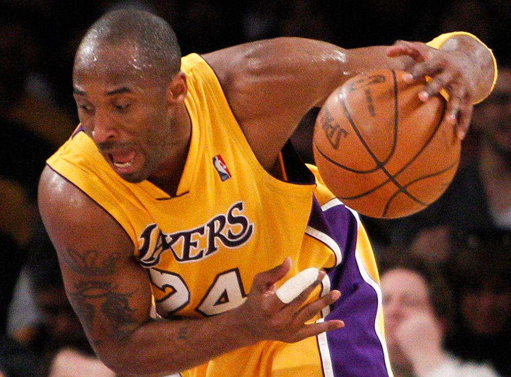 Pin By Cristina Nunez On Sports Basketball Players Lakers Basketball Basketball